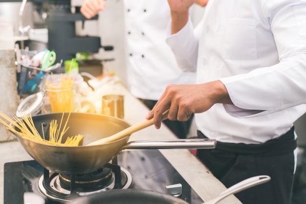 Las cocinas de gas, que son las que más se asemejan al fuego tradicional, suelen ser las preferidas de los puristas de la cocina.